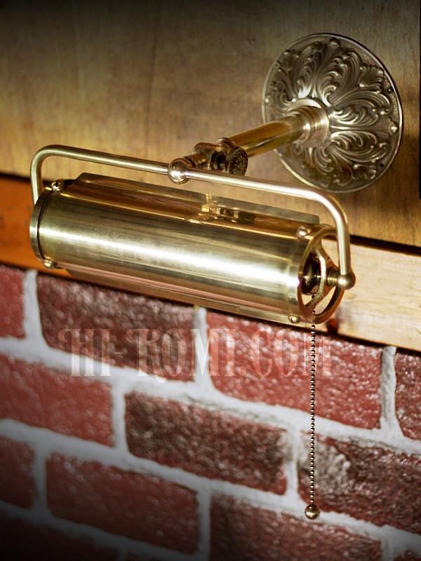 コロニアル角度調整付き真鍮製ピクチャーライト/ヴィクトリアン調壁面筒型シェードライト