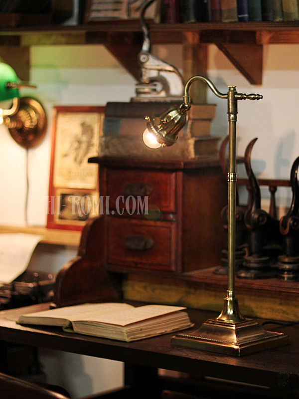 USAヴィンテージ角度調整付真鍮テーブルライト/工業系アトリエ照明 アンティーク照明&雑貨 Hi-Romi.com 神戸
