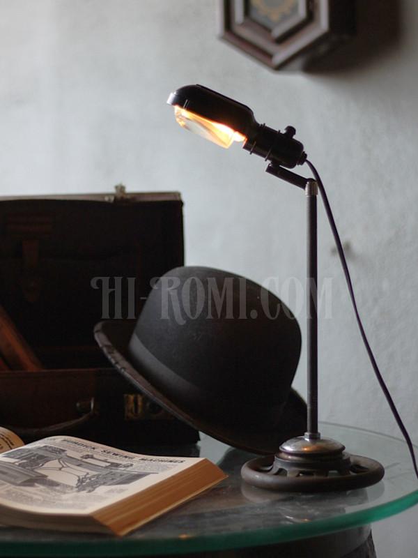 USA工業系SINGERミシンライト角度調整付デスクライト アンティーク照明&雑貨 Hi-Romi.com 神戸
