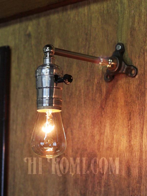 USAヴィンテージLEVITON社アルミ製ターン式ソケット付工業系ミニブラケットランプ/インダストリアル照明壁掛けライト