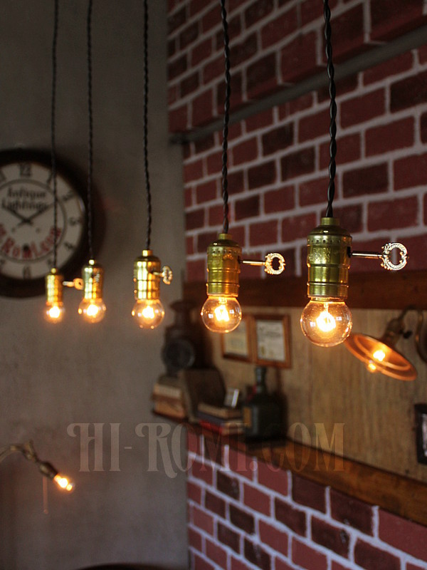 LEVITON社製鍵スイッチ付アルミ製ソケットランプ/アンティークヴィンテージ吊下照明工業系インダストリアル