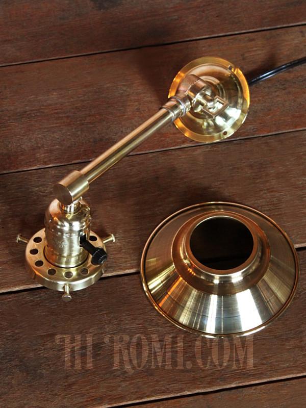 全真鍮製ミニシェード&角度調整付き工業系ブラケットライト/壁掛け照明ランプ