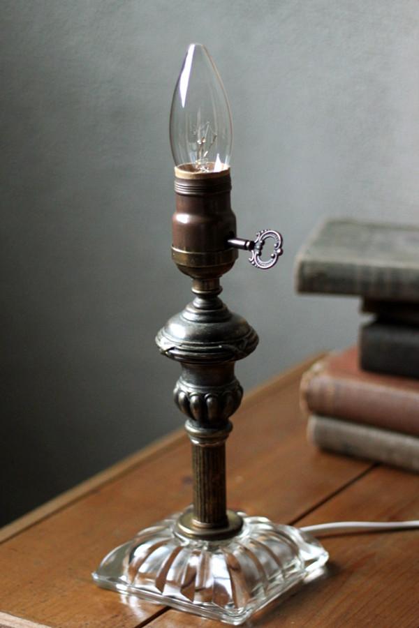 ヴィンテージ鍵付きMETEORファットボーイソケットガラスベースのテーブルランプ/アンティーク