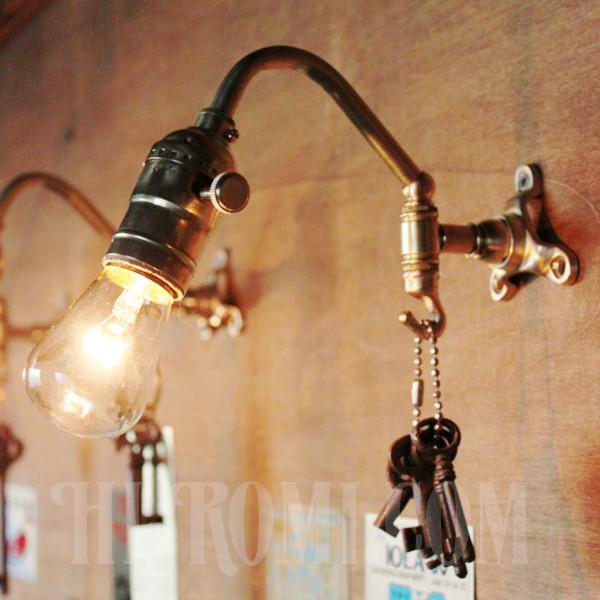 ヴィンテージ工業系フック付きターン式ソケット真鍮ブラケット/アンティーク照明インダストリアルウォールランプ