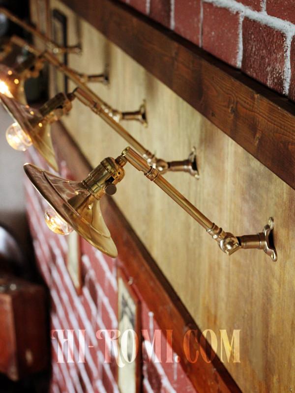 USAヴィンテージ工業系角度調整付き平型シェード真鍮ブラケット/インダストリアル照明壁掛けランプ